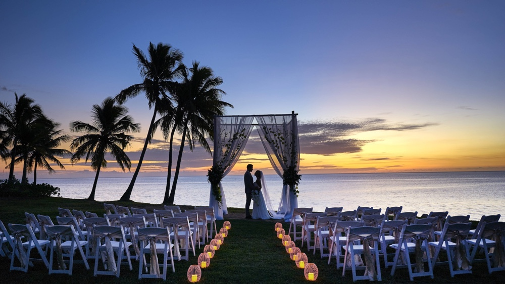 Destination wedding on the beach at Fiji Marriott Resort Momi Bay.  Photo courtesy Fiji Marriott Resort Momi Bay.