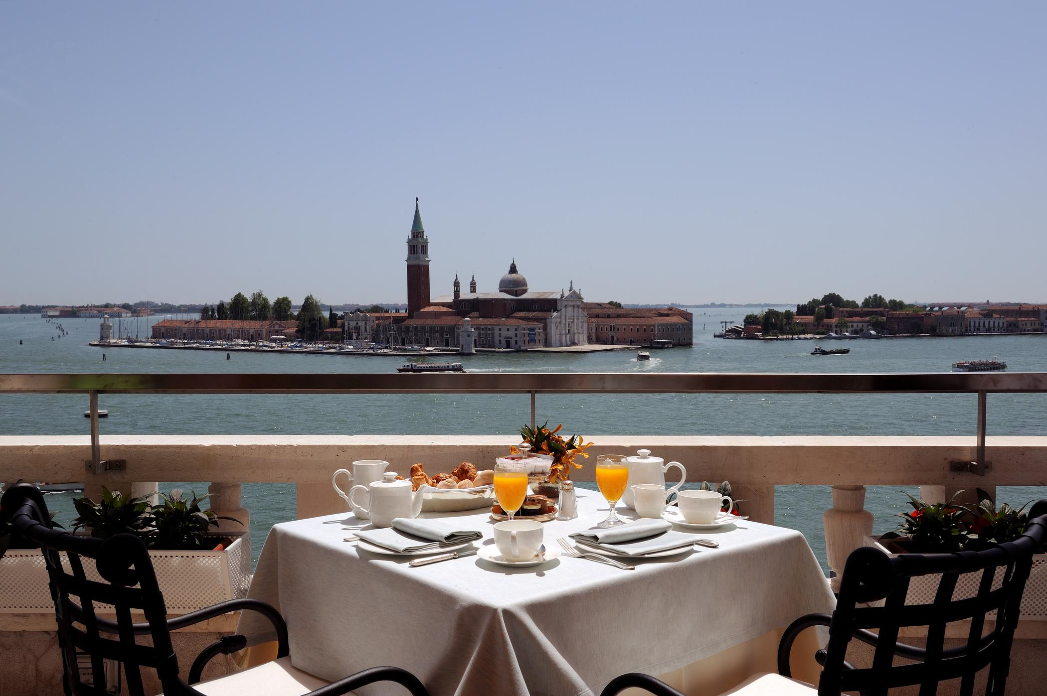 Restaurant terrazza danieli from photo gallery for hotel for Terrazza panoramica venezia