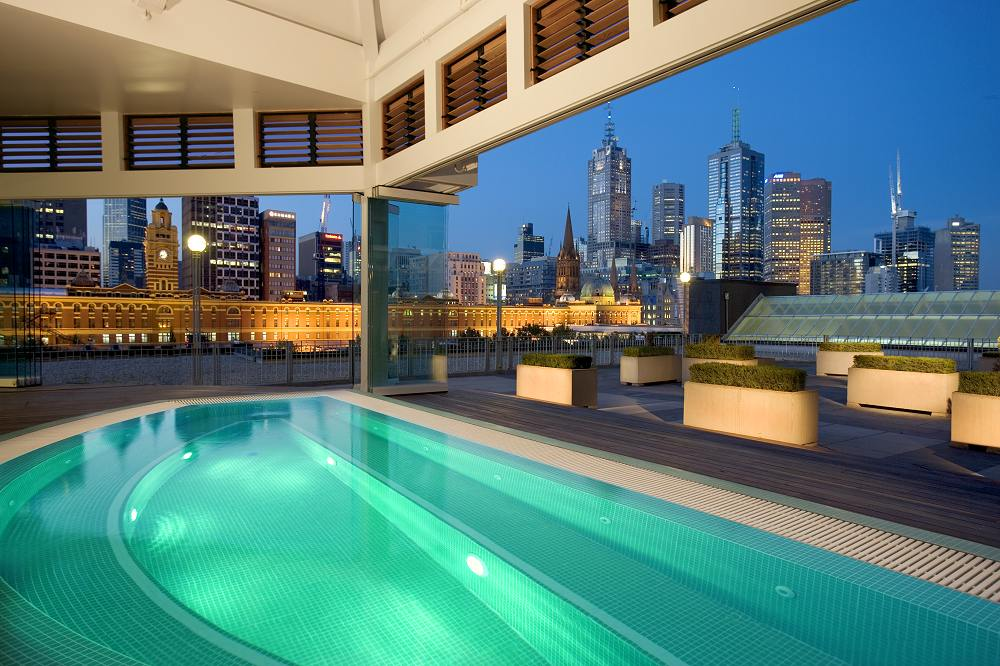 Rooftop pool from photo gallery for the langham melbourne for Pool show in melbourne