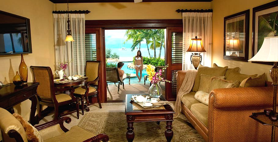 Beachfront One Bedroom Swim Up Crystal Lagoon Suite With