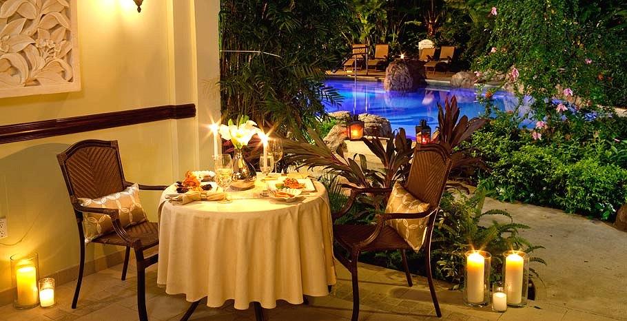Royal Honeymoon Walkout Crystal Lagoon Swim Up Suite