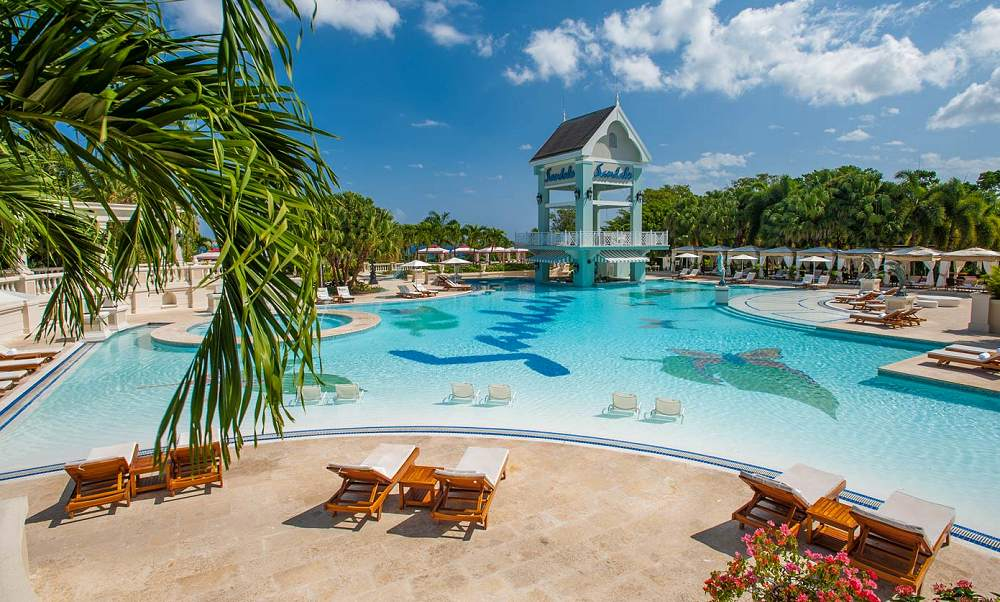 Two distinct resort experiences on Antigua's best beach. Voted World's Leading Honeymoon Resort year after year, this charming seaside oasis is a couple's paradise set on Antigua's best and most famous beach, Dickenson Bay.
