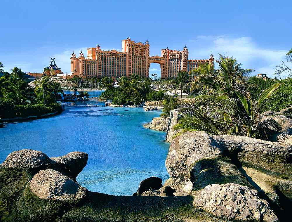 Atlantis paradise island royal towers bahamas reviews for Countries to go on vacation