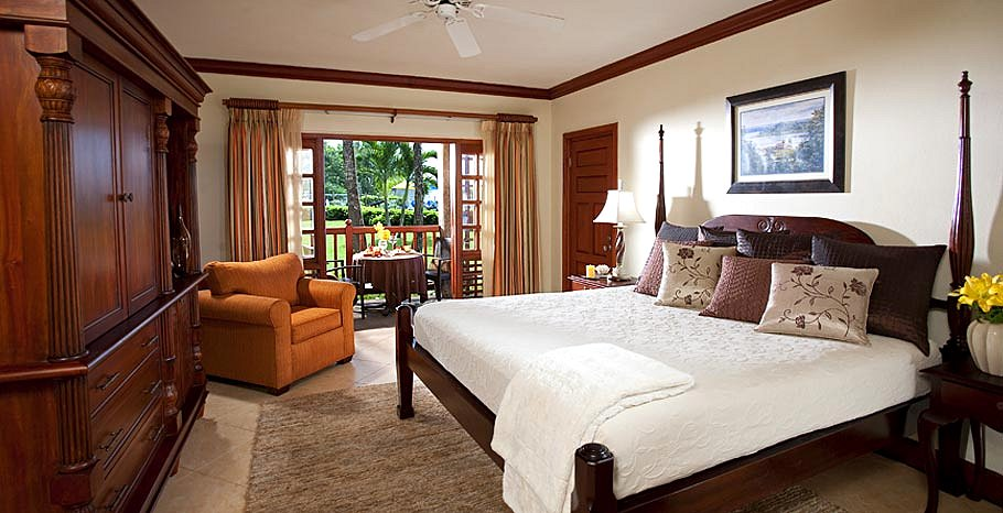 Grande Luxe Beachfront Room - Beaches Negril Resort & Spa.