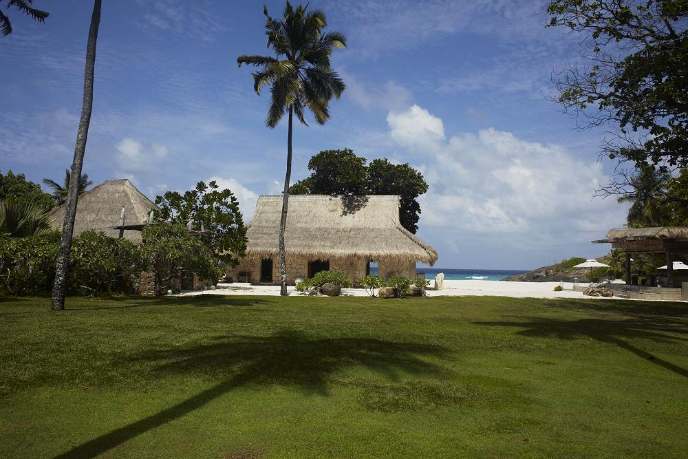 north island resort seychelles reviews pictures map visual itineraries. Black Bedroom Furniture Sets. Home Design Ideas