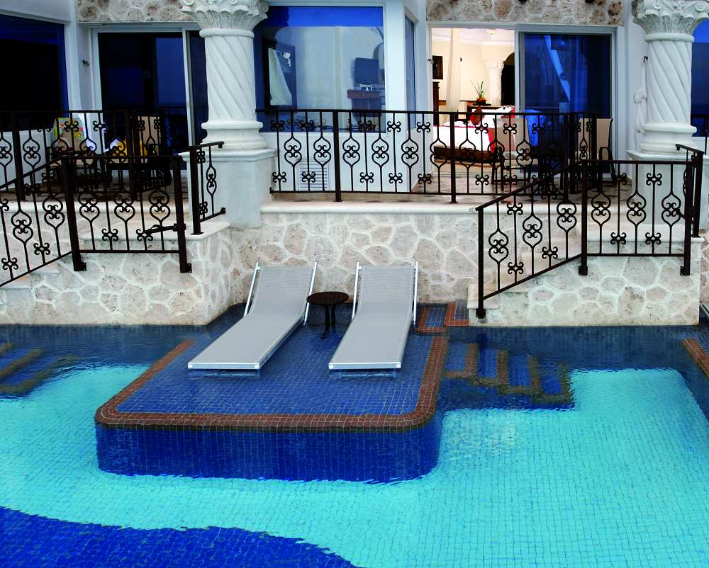 Royal Master Swim Up Suite Beachfront From Photo Gallery