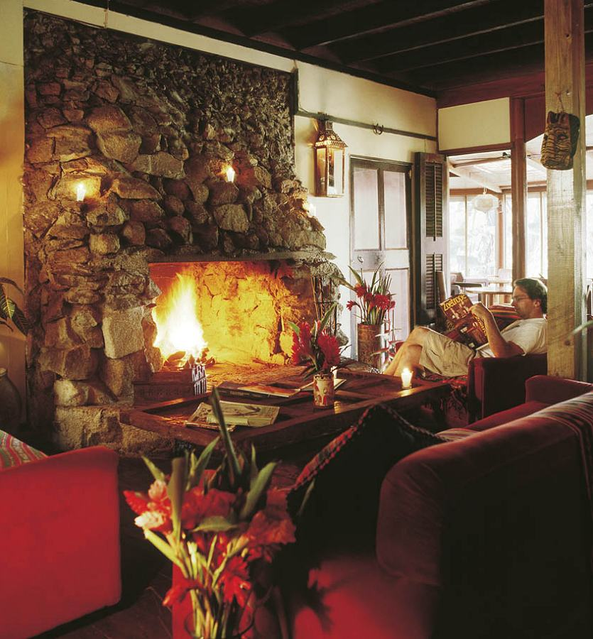 Lobby Lounge - Blancaneaux Lodge.