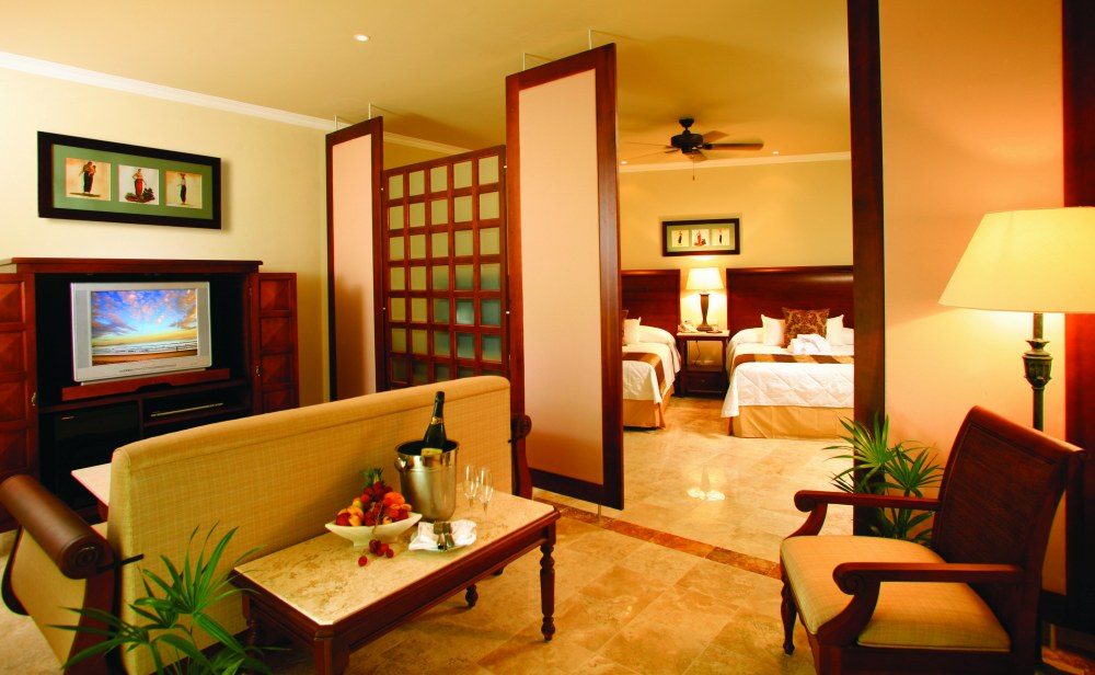 Golden Swim Up Junior Suite From Photo Gallery For Valentin Imperial Maya Riviera Maya Mexico