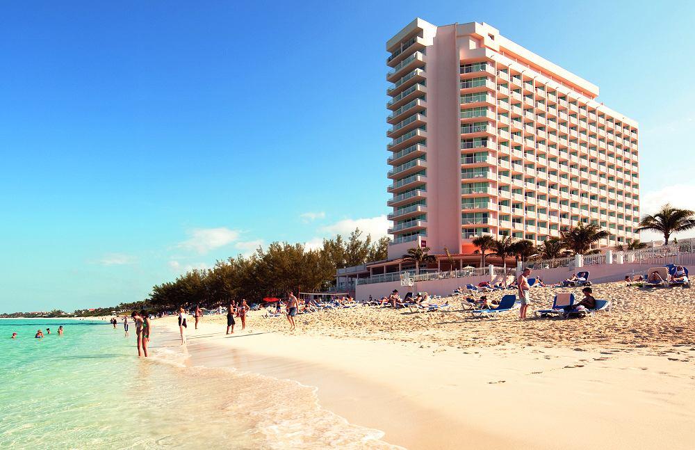 Hotel Riu Palace Paradise Island Reviews