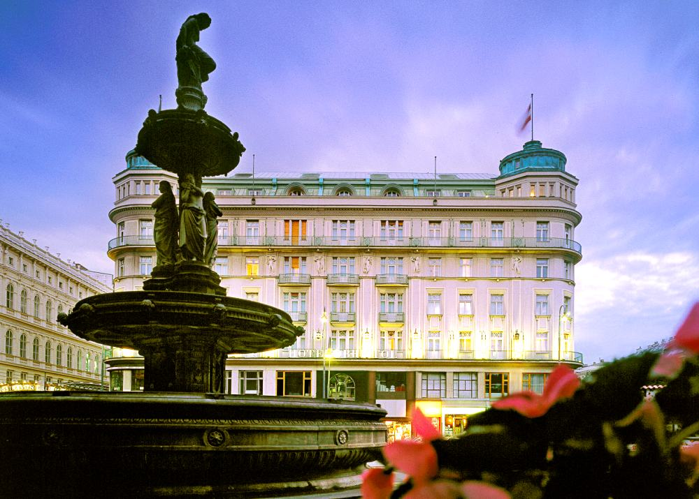 Hotel bristol a luxury collection hotel austria for Luxury hotels austria