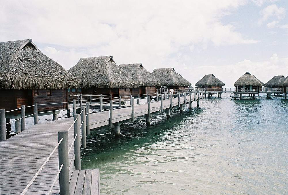 Overwater bungalows - Moorea Pearl Resort & Spa.