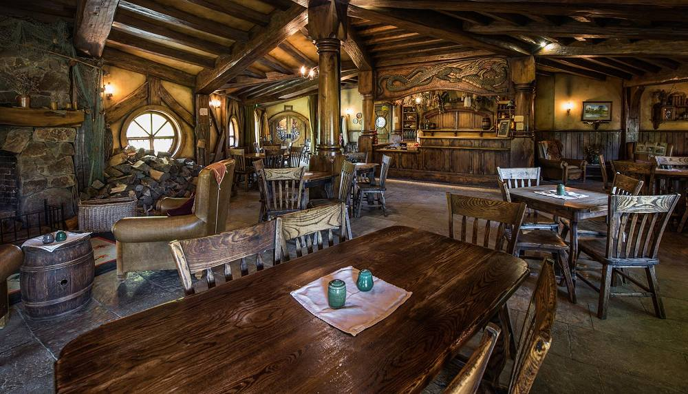 hobbiton movie set tours new zealand reviews pictures map visual itineraries. Black Bedroom Furniture Sets. Home Design Ideas