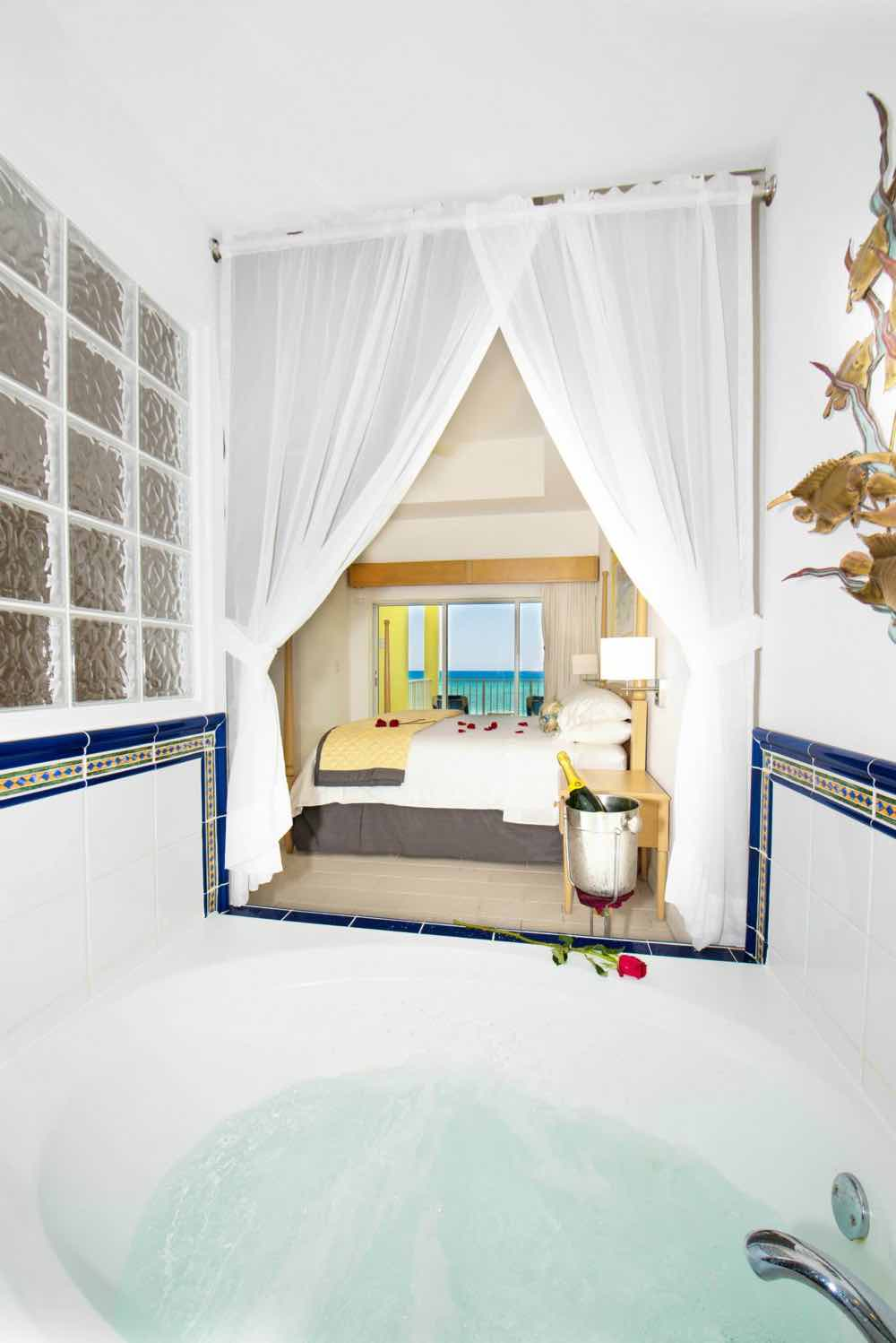 All Inclusive Wyndham Reef Resort On Cayman Islands For: Beachfront Deluxe Studio, From Photo Gallery For Wyndham