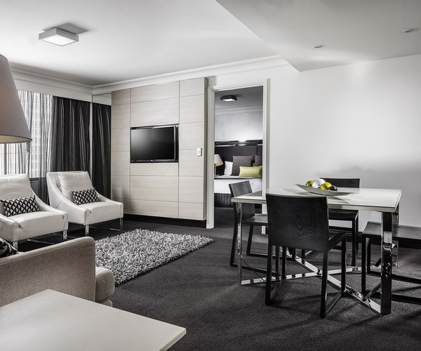 Pullman brisbane king george square australia reviews pictures map visual itineraries for Mcm interior wall stone reviews