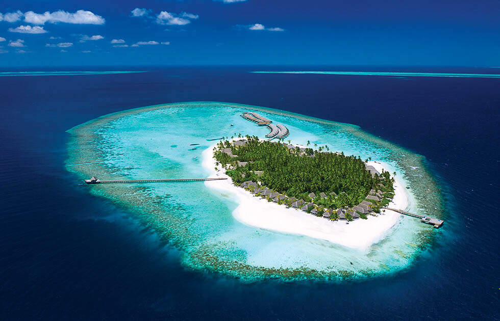 The coral reefs at the Maldives - Baglioni Resort Maldives. Copyright Baglioni Resort Maldives.