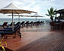 Pool deck - Matamanoa Island Resort